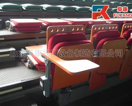 后置软椅(带写字板)